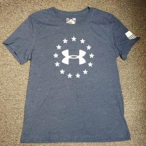 🥳 NWOT Women's Under Armour T-shirt size L